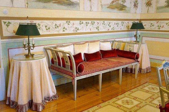 Tivoli Palácio de Seteais: Along the corridor.