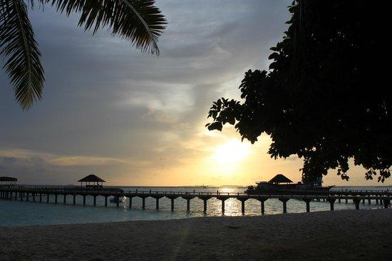 The Sun Siyam Iru Fushi Maldives : Закат