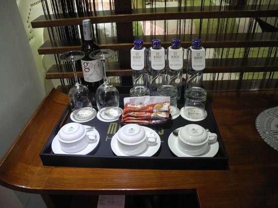 Hanoi Meracus Hotel 2: complimentary mineral water every day