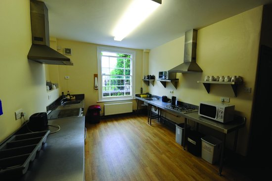 YHA Cheddar: Self Catering Kitchen