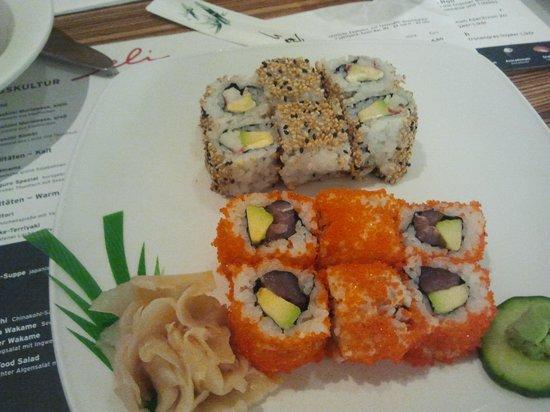 Deli: Lecker Sushi
