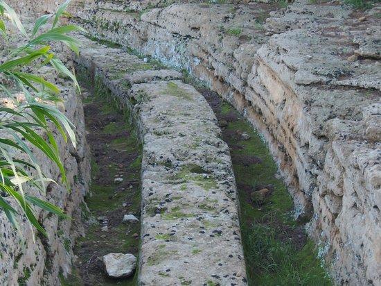 Valley of the Temples (Valle dei Templi): 神殿の谷・・・温泉を流すお湯の道