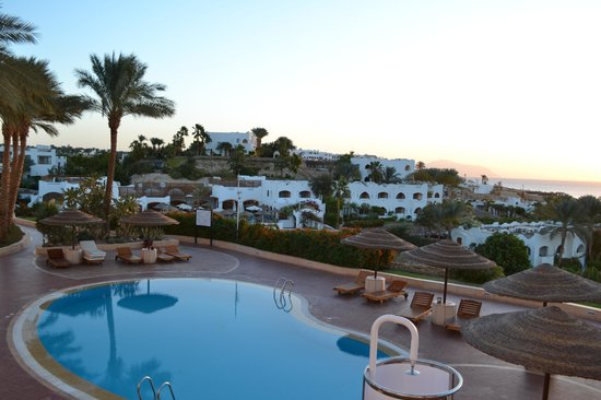 Domina Coral Bay Prestige Hotel : Pool view from room