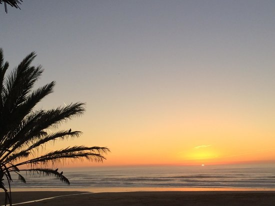Le Douar des Arganiers: Sunset at Sidi Kaouki beach