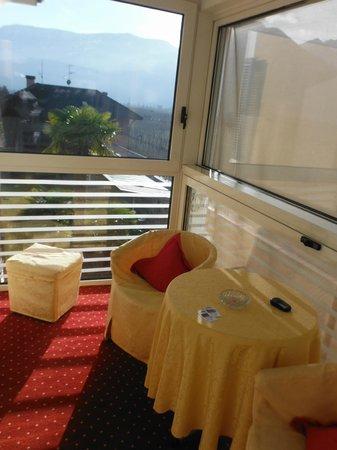 Hotel Garni Guenther: balconcino chiuso