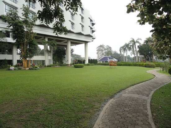 Dusit Island Resort Chiang Rai: Gardens