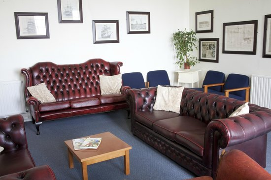 YHA Coverack: Lounge