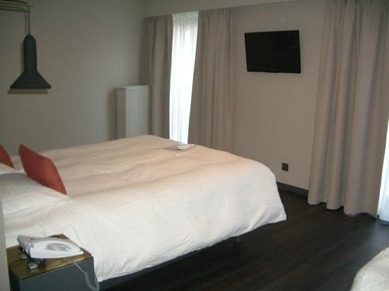 Atlas Hotel Brussels: refirbished room