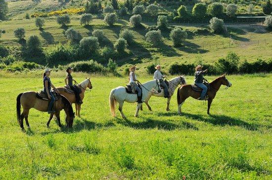 Castellare di Tonda Resort & Spa: Trail Riding