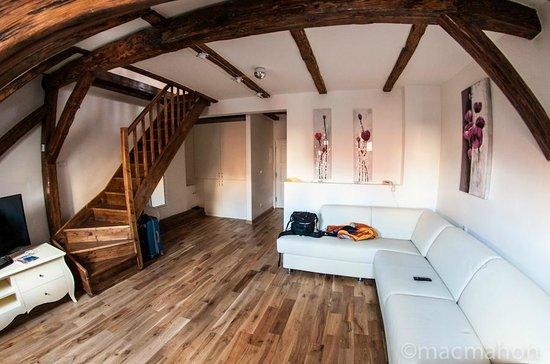 Dolce Vita Suites: Mi habitación o Suite o apartamento, no se como llamarlo. Esta foto se la dí a ellos junto con o