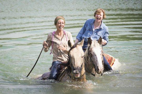 Castellare di Tonda Resort & Spa: Horse Riding lake