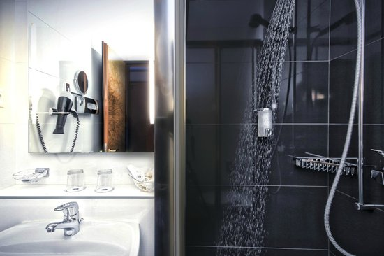 BEST WESTERN PLUS Hotel Mirabeau: Shower