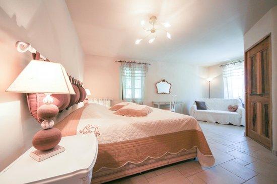 Les Carmes : Apartment bedroom 1