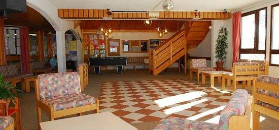 Village de Vacances les Angeliers : Le salon (espace commun)