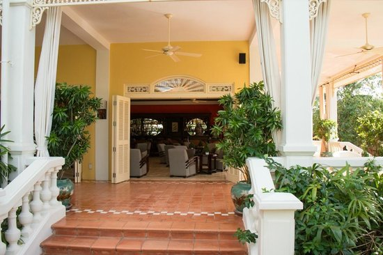 La Veranda Resort Phu Quoc - MGallery Collection : Eingang Bar