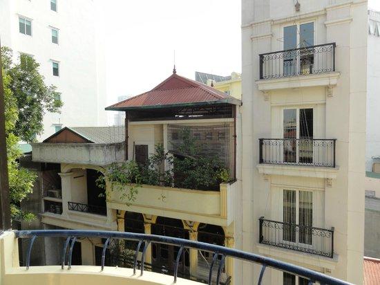 Win Hotel: Looking across the street
