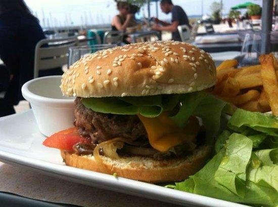 burger tradi cantalou ou du marin picture of cote docks brest tripadvisor. Black Bedroom Furniture Sets. Home Design Ideas