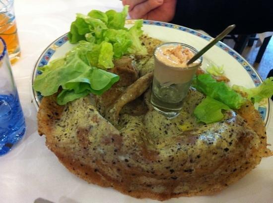 Crêperie de l'Enclos : crepe blé noir oeuf aux truffes et glace foie gras