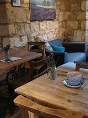 Campden Coffee Company: Cosy, rustic interior
