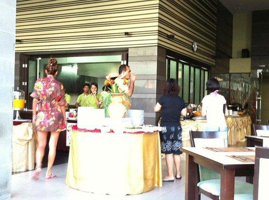 Ananta Burin Resort: Breakfast
