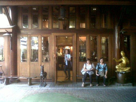 True Siam Phayathai Hotel : Reception