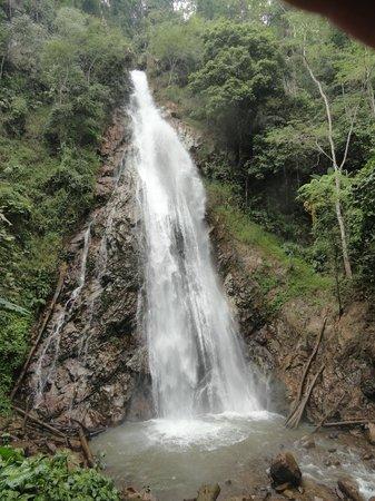 Khun Korn Waterfall: Waterfall