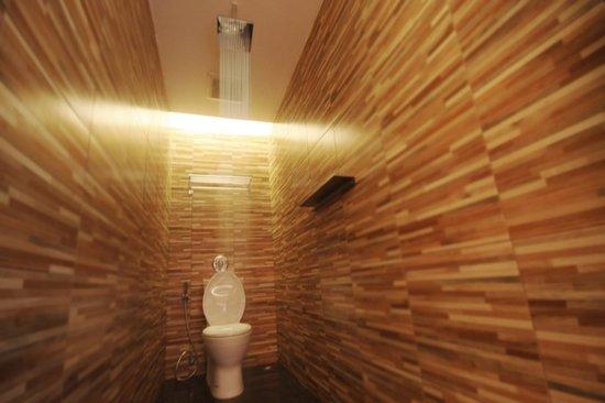 Fin Hostel Phuket: wc