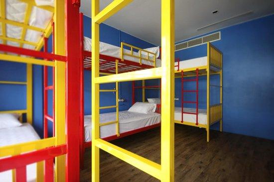 Fin Hostel Phuket: room 10