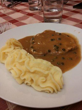 Albergo Villa Adria: Carne al pepe verde e purè di patate