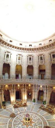 Umaid Bhawan Palace Jodhpur: In the main hall