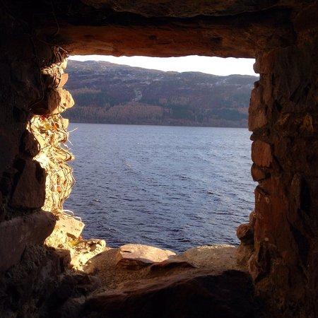 Urquhart Castle: Loch ness