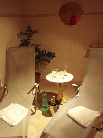 Pension Panorama: enjoy sauna after your sport, have champagne and relax