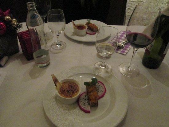 Pitterkeller : Creme bruleè e torta di nocciole con marmellata di frutto della passione