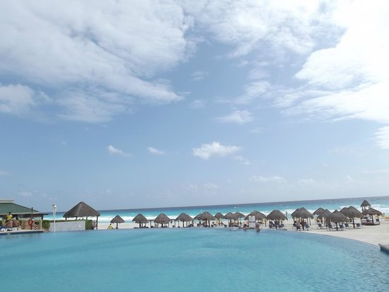 Iberostar Cancun: Pool again