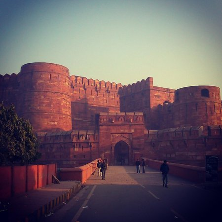 Amin Tours - Day Tours: Agra Fort