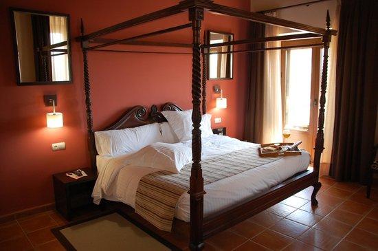 hotel convento del giraldo habitacin cama con dosel