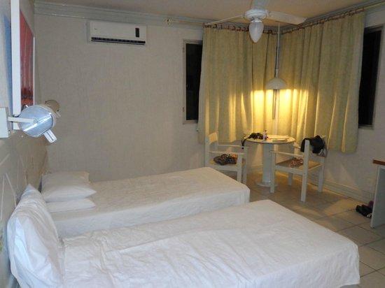 Maria Do Mar Hotel: Quarto, bastante confortável