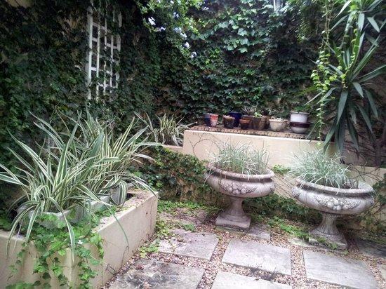 Goble Palms Guest Lodge & Urban Retreat : Patio