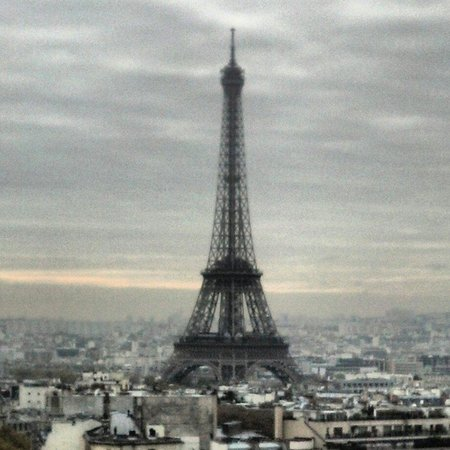 Niel Hotel: Eiffel Tower from Arc de Triomphe