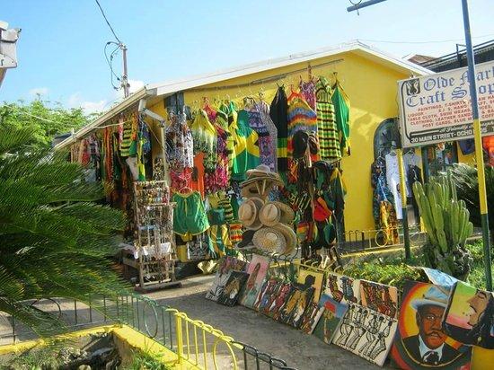 Jewel Dunn's River Beach Resort & Spa: Shopping in Ocho Rios