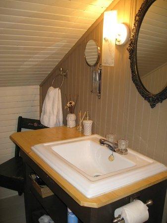 La Grange aux Hiboux : Cabinet toilette pour ch. 4 et 5