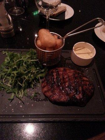 Park Plaza Sherlock Holmes London: My Steak! Yum!