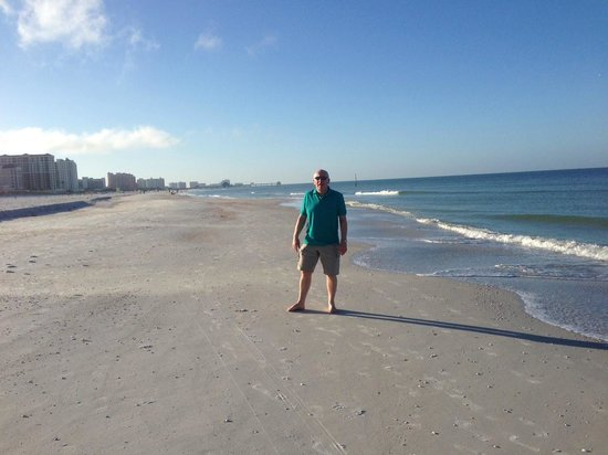 Hilton Clearwater Beach Resort & Spa : Beach at 10am