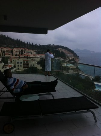Radisson Blu Resort & Spa at Dubrovnik Sun Gardens: searching around