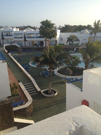 Hotel Club Siroco: Pool in Srenty area from aprtment