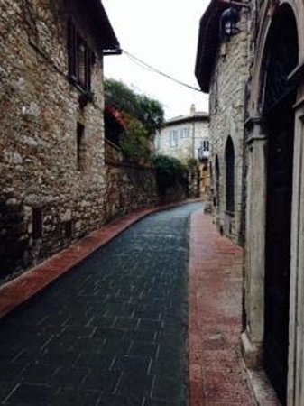 Anne's Italy : Streets of Assisi