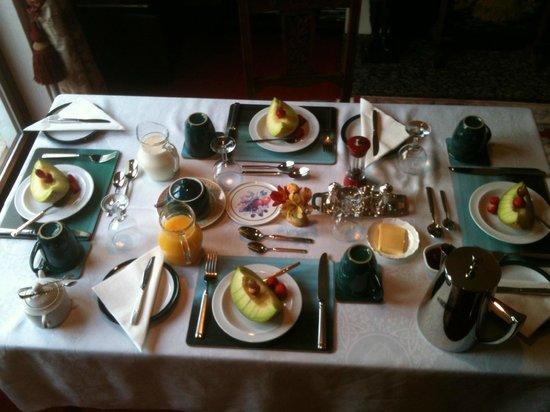Pinegrove Lodge: Breakfast Room