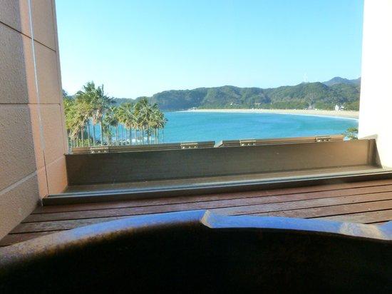 Marubun : 部屋付き露天風呂からの眺め