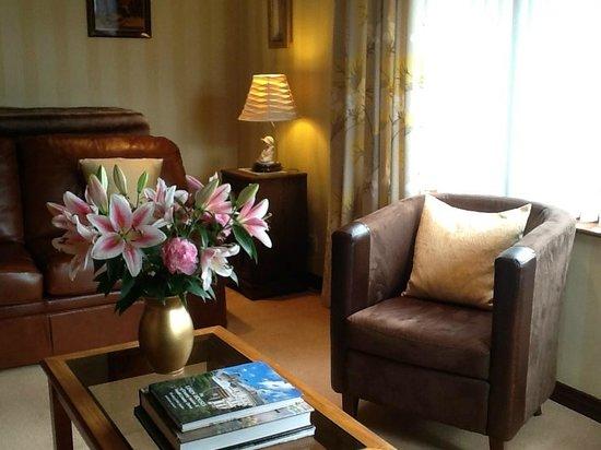 Pinegrove Lodge: Lounge