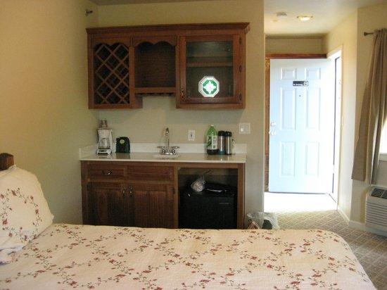 Heidi Motel: Bedroom Pix-d